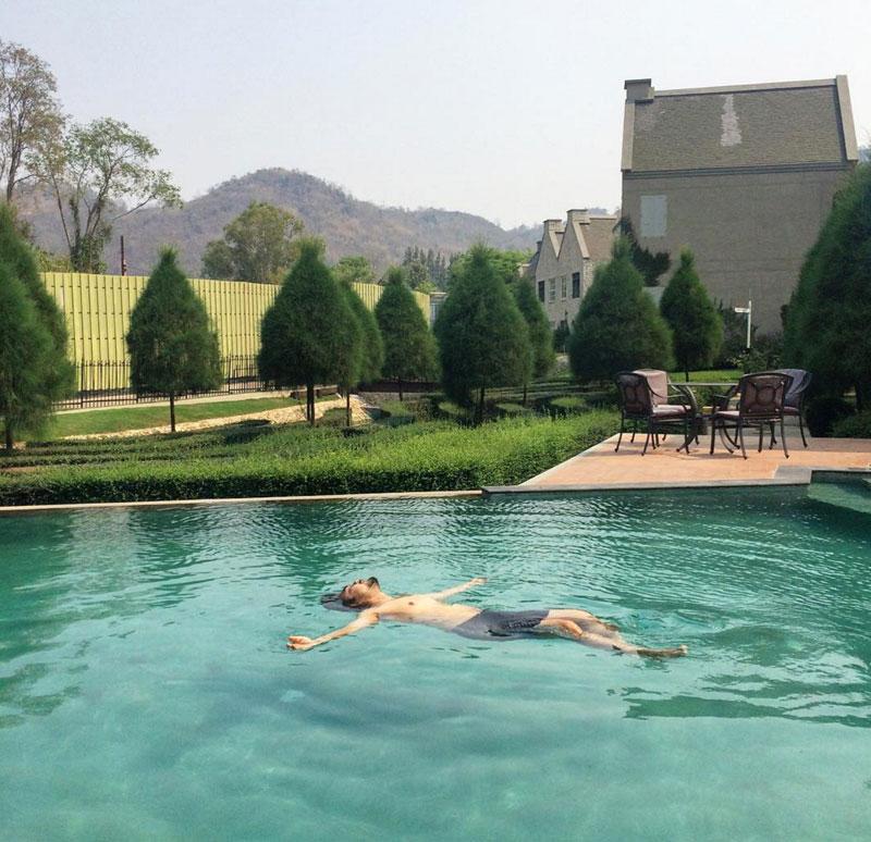 3-8-pool-via-Pop_chouxcream