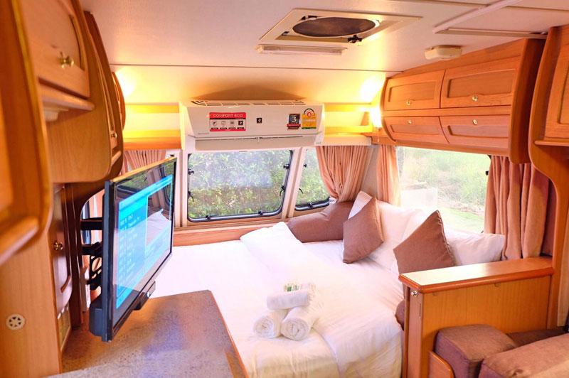 7-3-caravan-interior