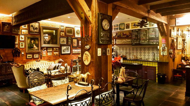 11-d-ponycafe-interior-via-youloveoil