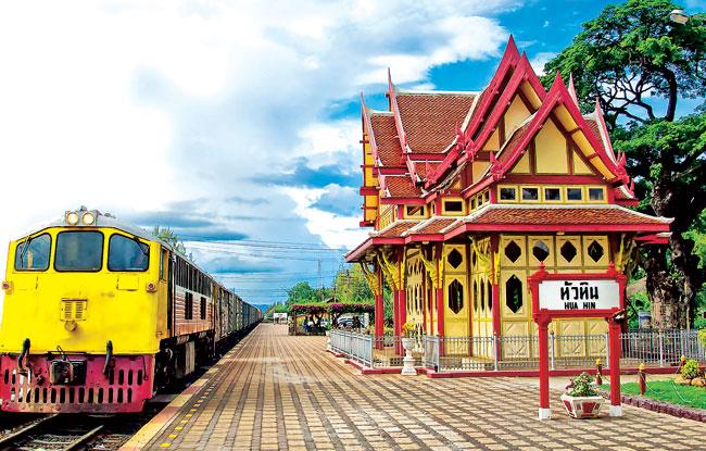 14. Hua Hin Railway Station-by-signalfire