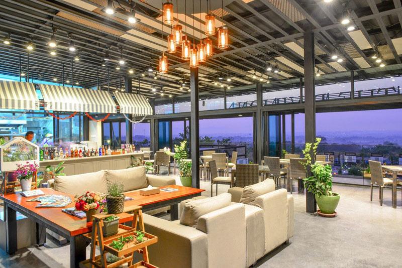 9-4-lobby-lounge
