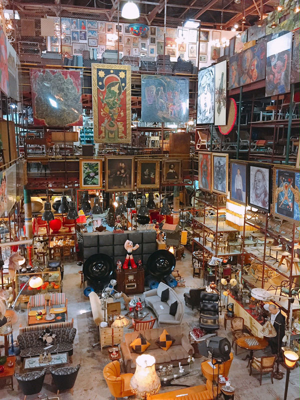 Go back in time:12 vintage shops hidden in the streets of Bangkok